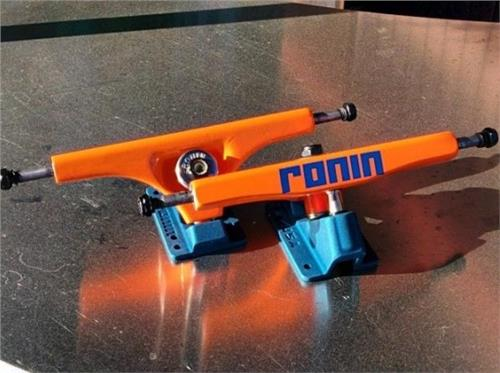 Ronin Cast 180mm Orange/Blue 42.5° Trucks